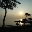 立石の夕日